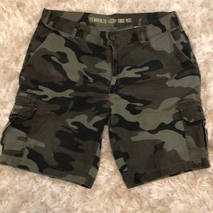 Dickies Men's Relaxed Fit Carvo Shorts - size 38